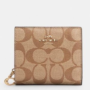 Coach Snap Wallet In Signature Canvas